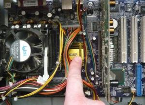 Почему не включается компьютер